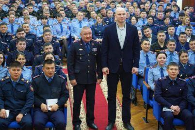 foto-ivan-dychko-s-lichnym-sostavom-departamenta-policii-kostanajjskoj-oblasti.jpg